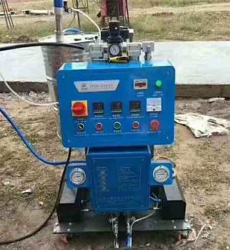 Q2600冷库聚氨酯发泡机