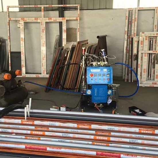 聚氨酯断桥发泡浇注设备Q2600D