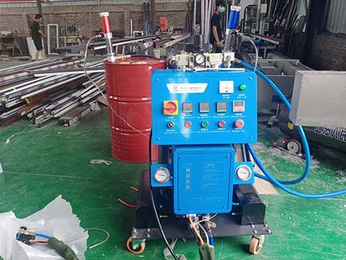 Q2600D-PCL断桥铝浇注聚氨酯设备