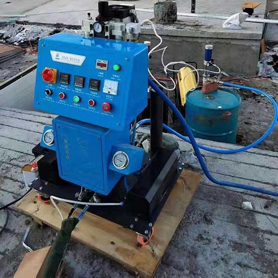 Q2600小型聚氨酯喷涂机器