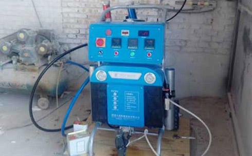 Q5200养殖场保温聚氨酯喷涂机