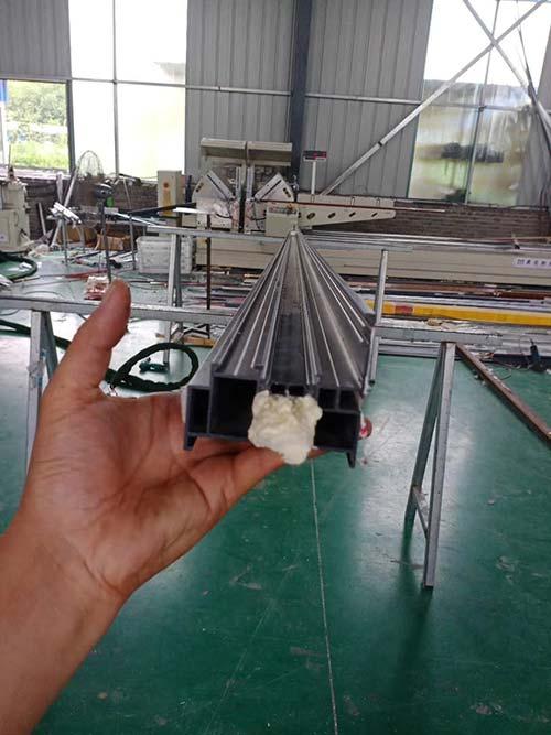 双组分聚氨酯喷涂铝型材