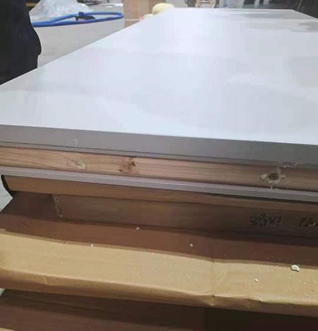 聚氨酯材料当场喷涂门板
